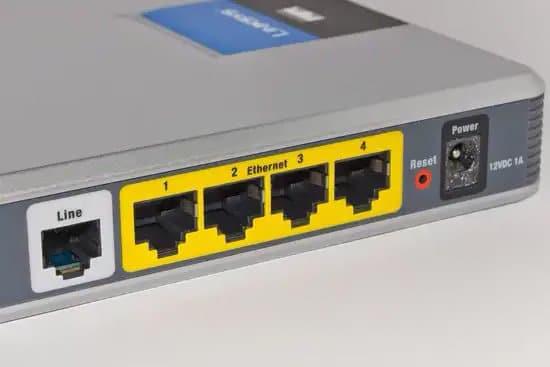 Parte trasera de modem para conexión a internet