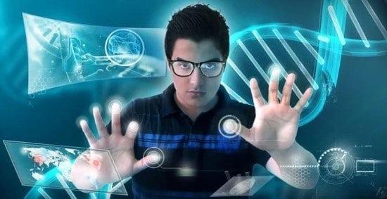 Hombre usando herramientas de tecnología informática