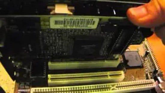 Colocación de tarjeta de red en motherboard