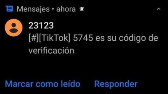 Mensaje recibido con código de verificación de TikTok
