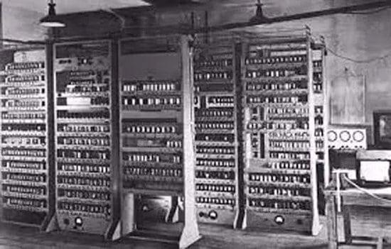 Calculadora Automática de Almacenamiento con Retardo Electrónico